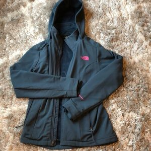 North Face Women's Shelbe Soft Shell Jacket